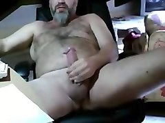 rimmed domina makes sub cum in his own mouth